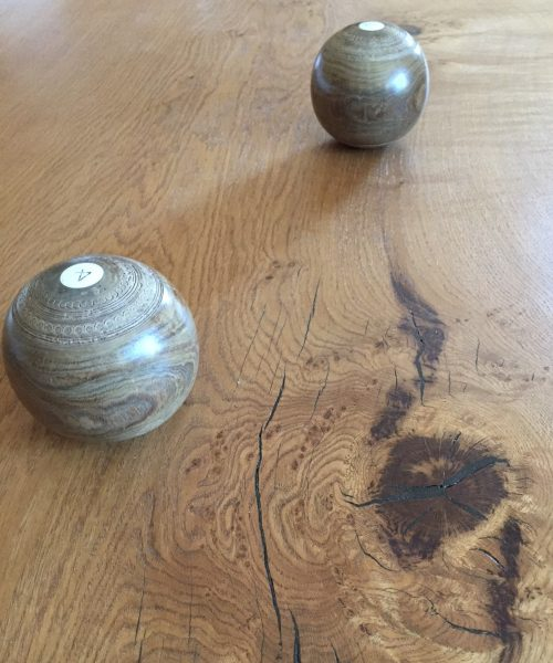 English character oak with antique wooden crown green bowls